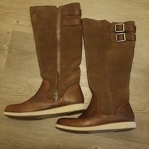 Women's brown suede and leather Timberland boots